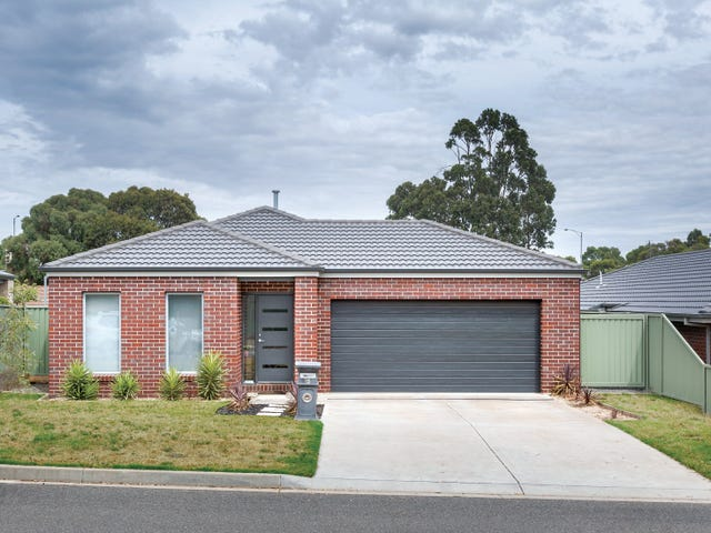 15 Orbost Drive, Miners Rest, Vic 3352
