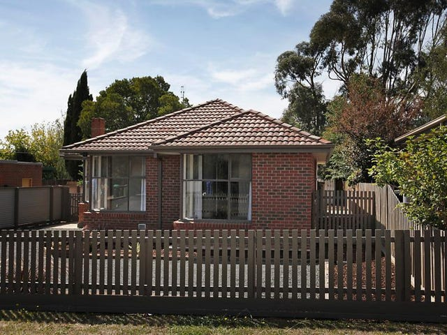 36 Morris Rd, Woodend, Vic 3442