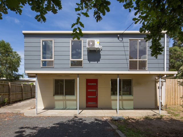 7 Albany Road, Cowes, Vic 3922