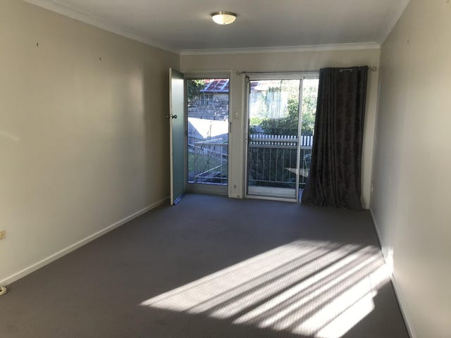 4/10 Gort Crescent, Stafford, Qld 4053