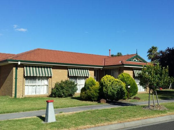 2 DUNSCOMBE PLACE, Chelsea Heights, Vic 3196