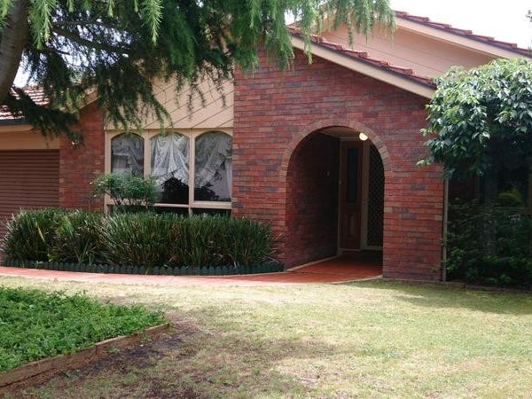 21 Clarke Crescent, Wantirna South, Vic 3152
