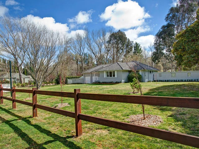 8 Holly Road, Burradoo, NSW 2576