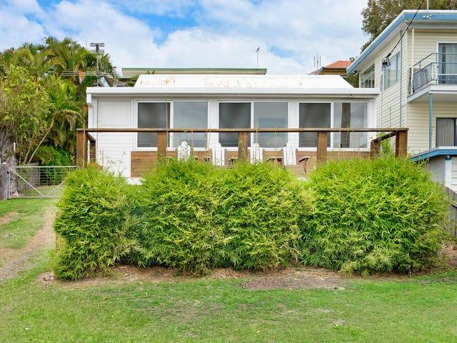 18 Main Street, Crescent Head, NSW 2440