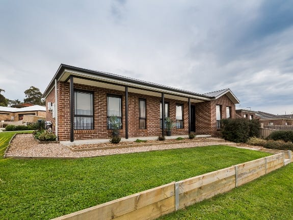 17 Muller Court, Mount Clear, Vic 3350