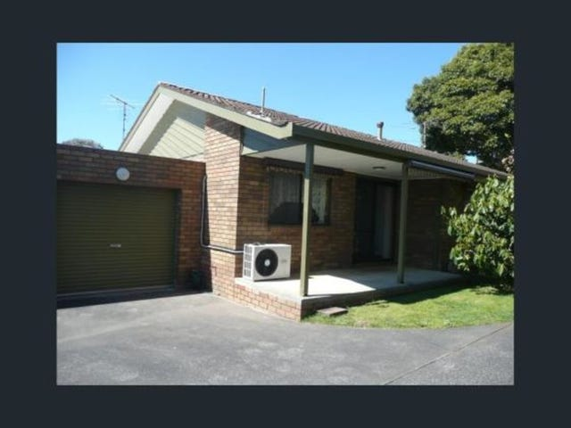 1/11 Young Street, Drouin, Vic 3818