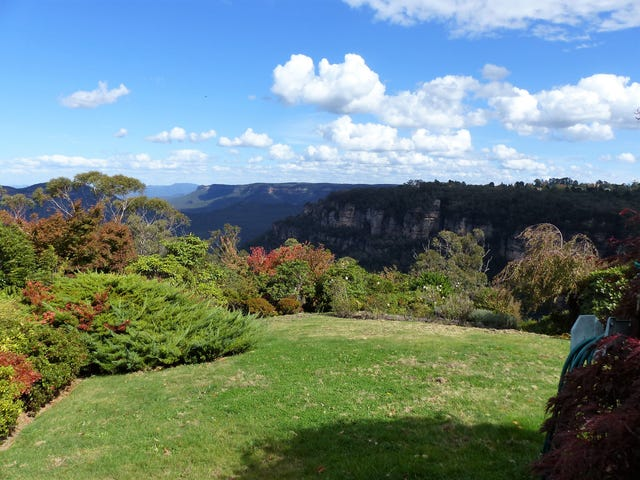 Leura, address available on request