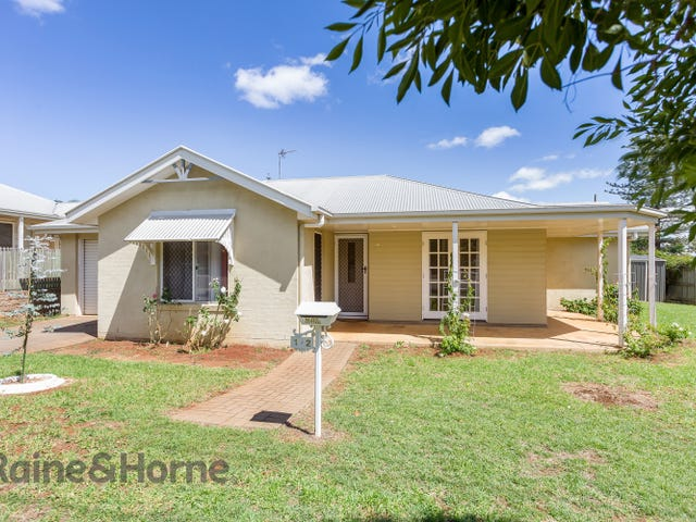 1/2 Beirne Street, South Toowoomba, Qld 4350