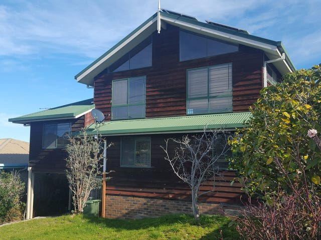 41 McCullough Street, Lakes Entrance, Vic 3909