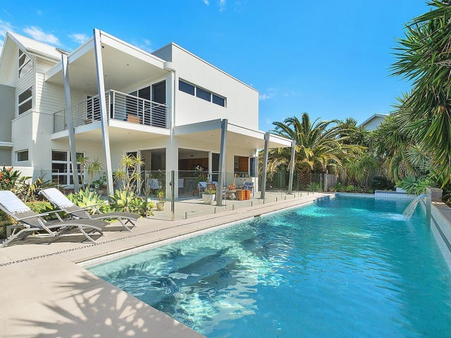 4 Seacliff Place, Caves Beach, NSW 2281