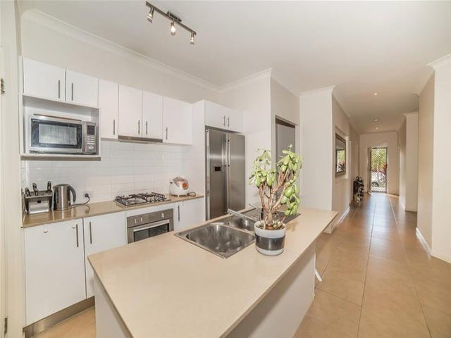23 Rhodium Crescent, Hope Island, Qld 4212
