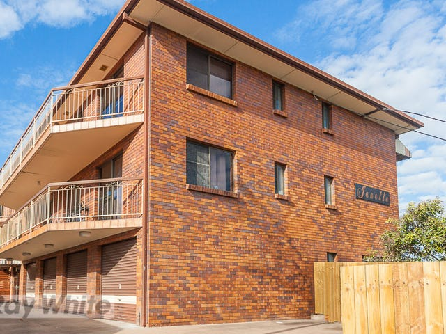 4/3 Curd Street, Greenslopes, Qld 4120