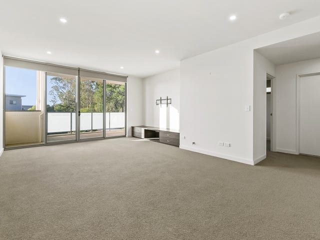 B204/2 Rowe Street, Potts Hill, NSW 2143