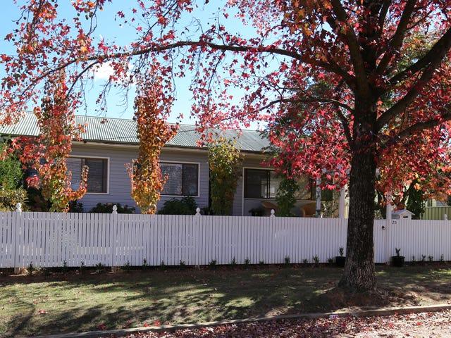 25 COLLWOOD CRESCENT, Orange, NSW 2800