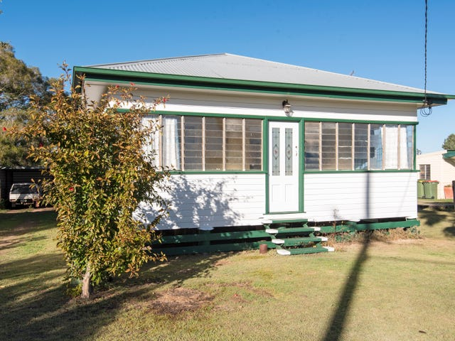 30 Geraghty Street, Cecil Plains, Qld 4407