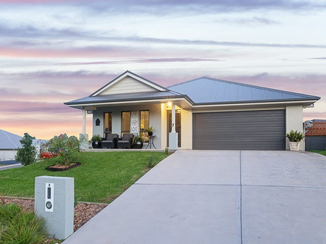 7 Rampling Ave, North Rothbury, NSW 2335