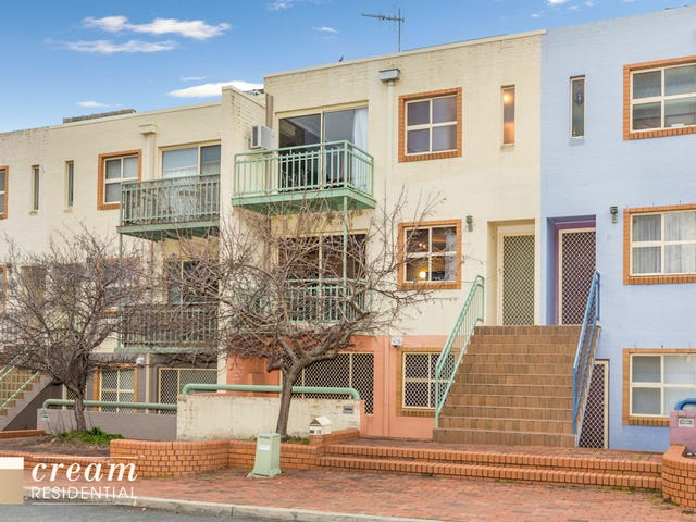 12 Bootle Place, Phillip, ACT 2606