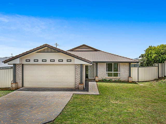 8 Kingfisher Drive, Highfields, Qld 4352