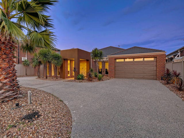 11 Montpellier Drive, Hillside, Vic 3037