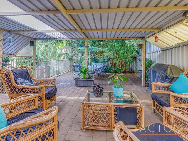 14 Retreat Mews, Canning Vale, WA 6155