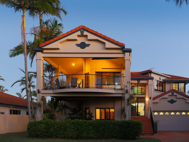 39 Beach Road, Dolphin Heads, Qld 4740