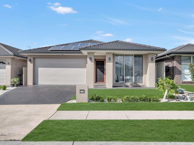 13 Follet Avenue, Middleton Grange, NSW 2171