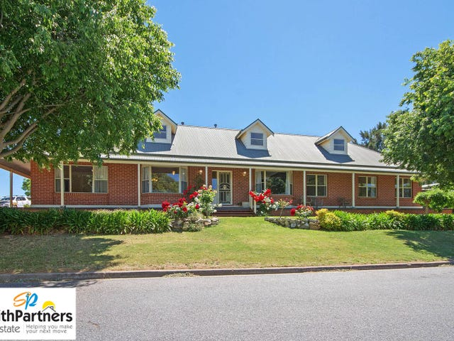 18 Broughton Place, Greenwith, SA 5125