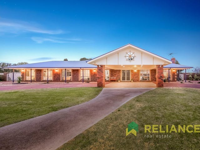 3 Maplewood Close, Brookfield, Vic 3338