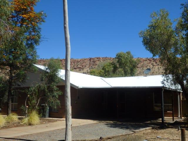 10 Hillside Gardens, Desert Springs, NT 0870