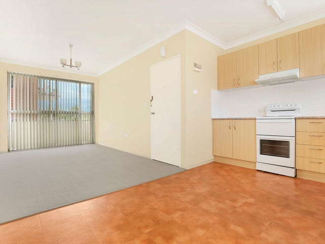 3/41 McKenzie Avenue, Coniston, NSW 2500