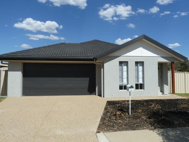 72 Greta Drive, Lavington, NSW 2641
