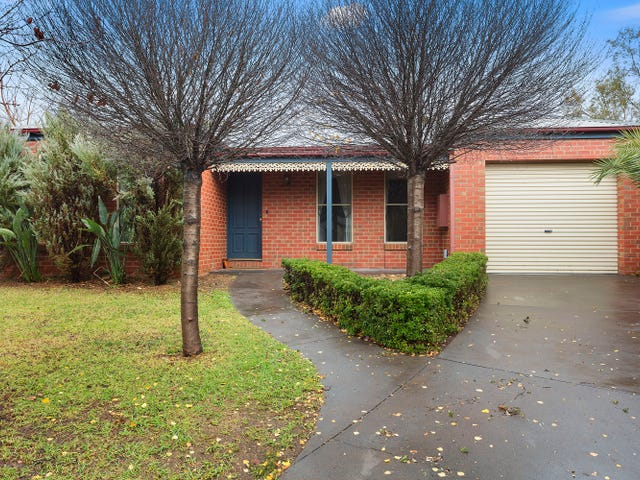 11 Grenoble Close, Spring Gully, Vic 3550
