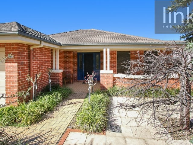 25 Honeyeater Circuit, Thurgoona, NSW 2640
