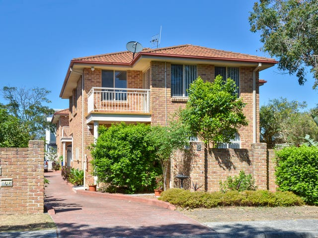 1/2 Burrawang, Ettalong Beach, NSW 2257