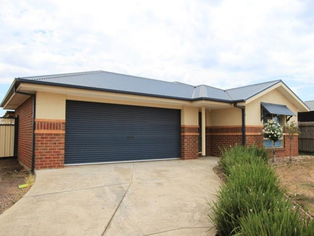 39 Ridge Way, Melton West, Vic 3337