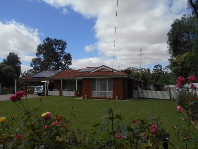 9 to 11 Robertson St, Berrigan, NSW 2712