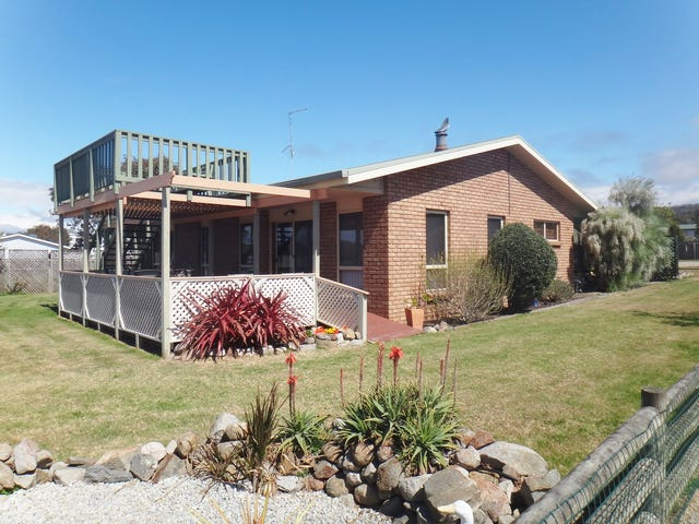 97 Tasman Highway, Beaumaris, Tas 7215