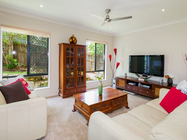 21 Sangster Cres, Pacific Pines, Qld 4211