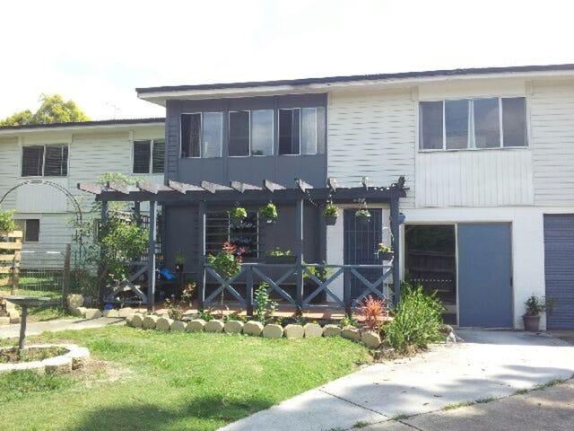 1 Bruce Street, Redbank Plains, Qld 4301