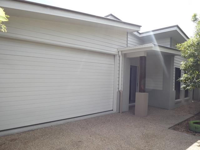 12 Paradise Drive, Coomera, Qld 4209