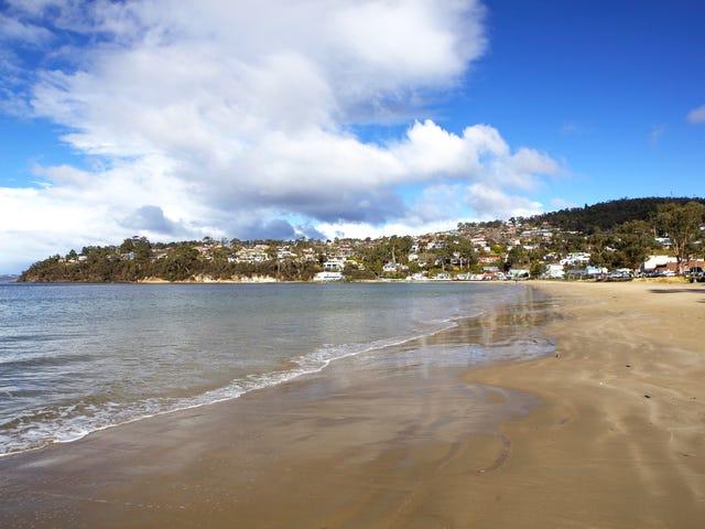50 Roslyn Avenue, Kingston Beach, Tas 7050