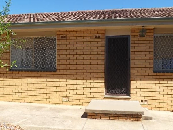 1/69 Raye Street, Tolland, NSW 2650