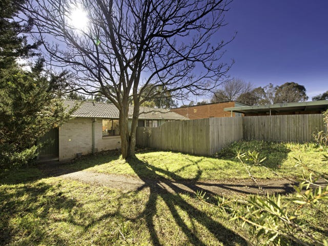 7 Waterfield Place, Charnwood, ACT 2615