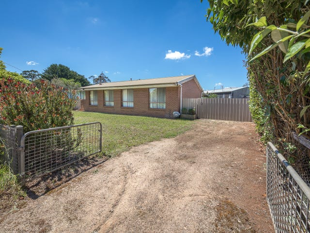 12 Trentham Road, Tylden, Vic 3444