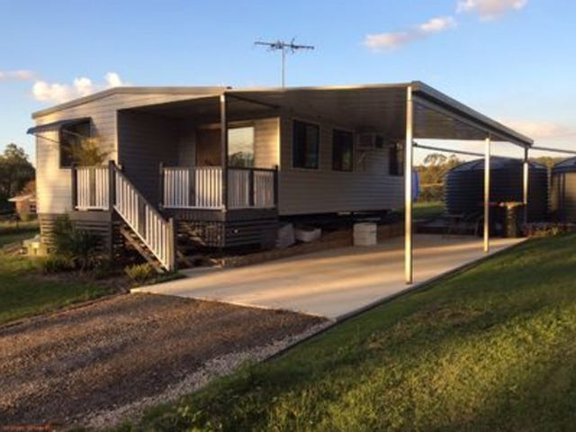 60 McCombe Road, Camp Mountain, Qld 4520