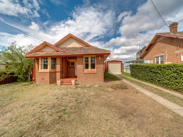 21 Buffalo Crescent East, Goulburn, NSW 2580