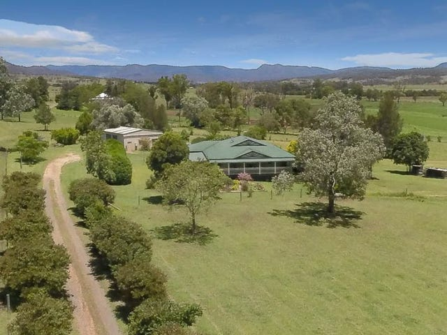 64 Farringdon Road, Christmas Creek, Qld 4285