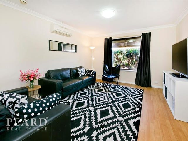 4/2 Weaponess Road, Scarborough, WA 6019