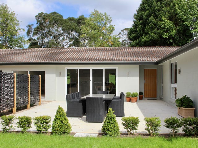 64 Sunninghill Avenue, Burradoo, NSW 2576