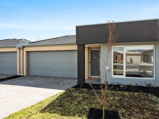 16 Freiberger Grove, Clyde North, Vic 3978